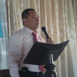 Iván predicando